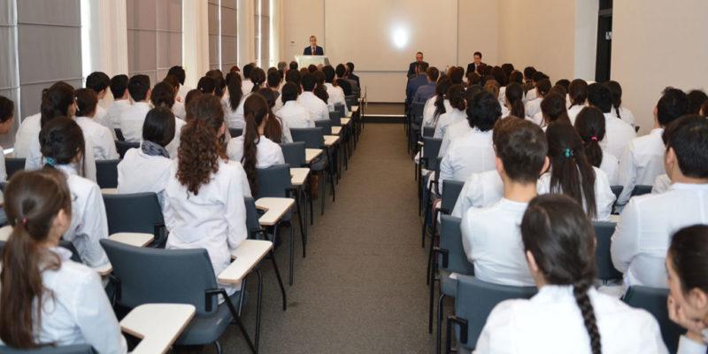 وتمتلك الجامعة 7 مباني تعليمية ومختبرات،بالأضافة الى 3 بيوتا للسكن الطلابى، وتبلغ المساحة الكلية للجامعة 136000 متر مربع